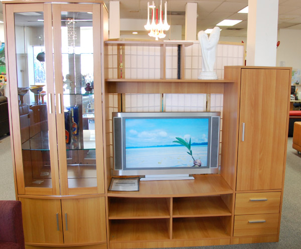 电脑桌椅,灯饰,多用柜,梳妆台,鞋柜,床头柜,吧台,酒柜,神柜,吧台桌椅